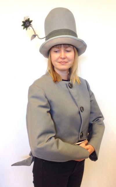 Artistiasu vuokrapuku Pekka Puupää takki ja hattu