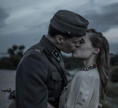 Artistiasun vuokraleninki elokuvassa Tuntematon sotilas