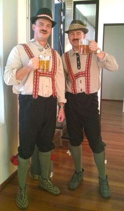 Artistiasu vuokrapuku saksalaiset / oktoberfest puuvillahoususetit