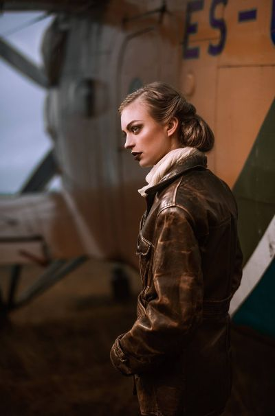Artistiasu vuokrapuku 20-luku lentäjä, kuva: Iiro Rautiainen