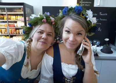 Artistiasu vuokrapuku, suomi 100, kansallispuku