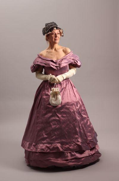 artistiasu vuokrapuku Biedermeier-tyyli, pukeutumiselämys
