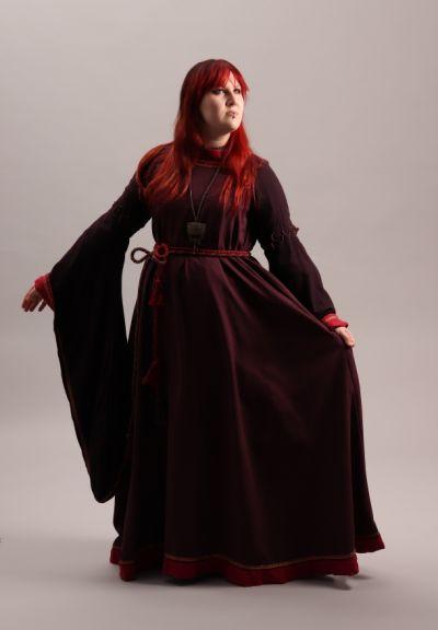 Artistiasu vuokrapuku keskiaika, pukeutumiselämys