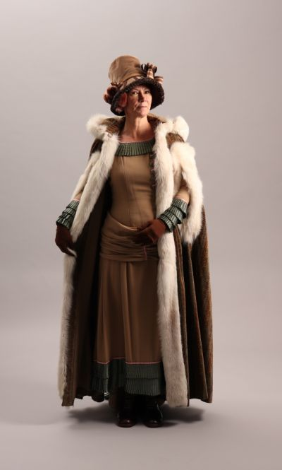 Artistiasu vuokrapuku 1800-luku, pukeutumiselämys