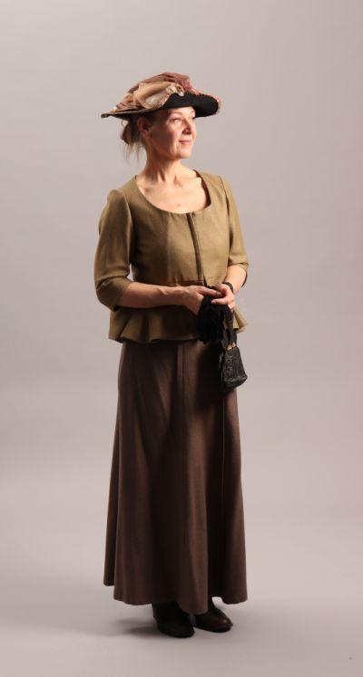 Artistiasu vuokrapuku 1800-1900 vaihde, pukeutumiselämys