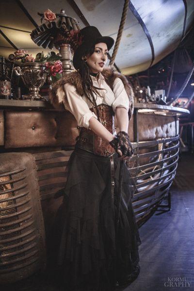 Artistiasu vuokrapuku steampunk