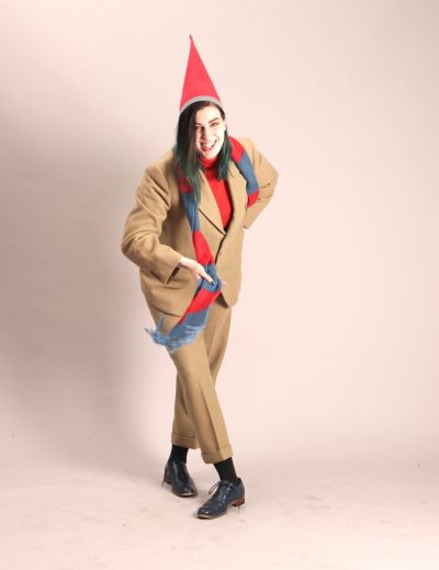Artistiasu vuokrapuku, joulutonttu ruskeassa puvussa