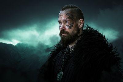 Artistiasu viikinki-vuokrapuku, kuva Jukka Vähälummukka