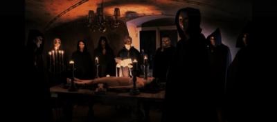 Artistiasu vuokrapuku halloween (We Exist -band)